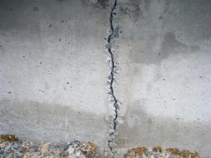 vertical-crack-foundation