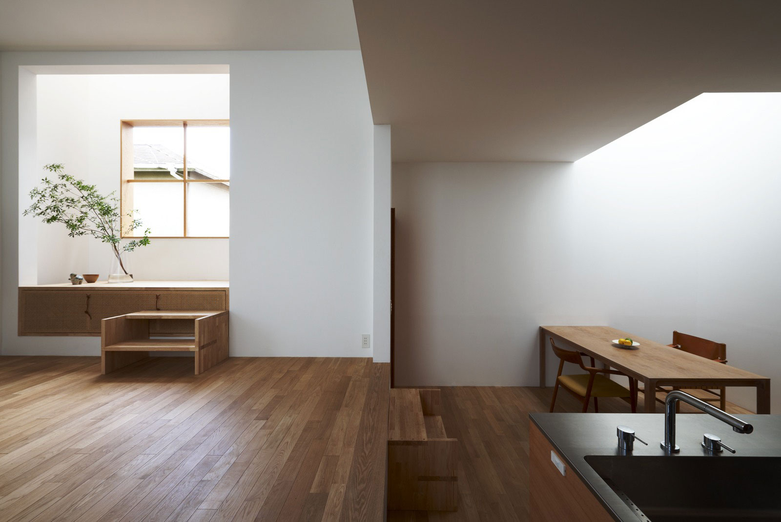 Eco friendly paints for Modern japanese house interior design