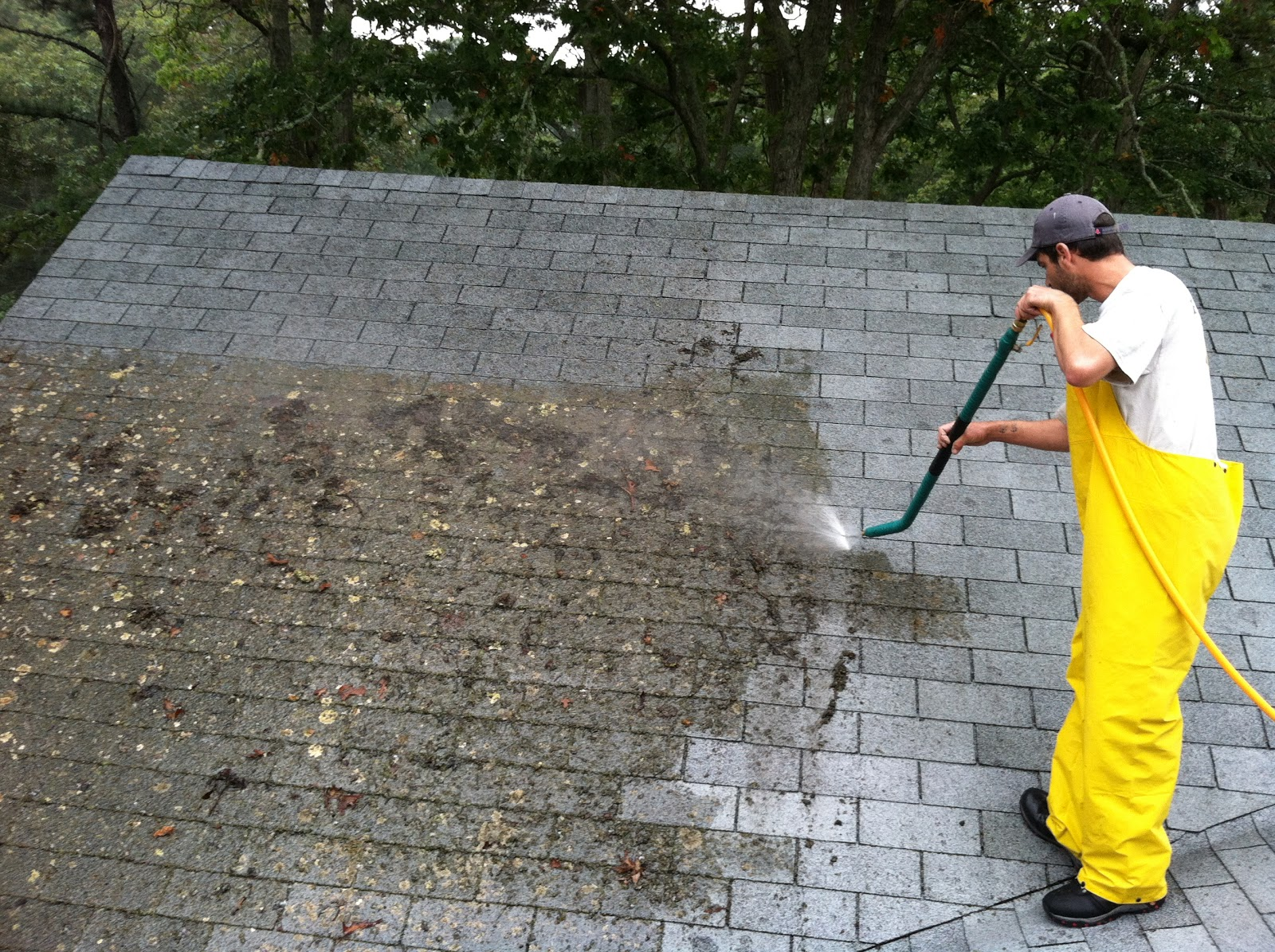 Roof cleaning - Using water pressure roof cleaning ...